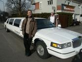 US-Car-Spezialist Reto Zimmerli machte sein Hobby zum Beruf. Die Stretch-Limousinen des Winterthurers sind der Hit.